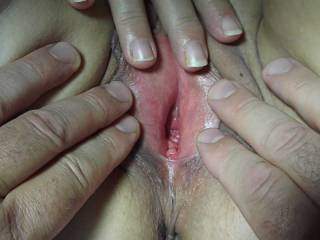 Kenny and I gape my pussy for your cum tributes. Cum for me Cum all over me.XOXO NICKI