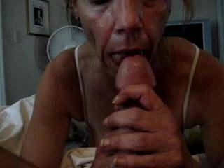 Love to suck cock