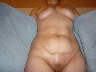 Oh yes that's my kind of hot sexy mature women fantastic looking body mmmmmmm