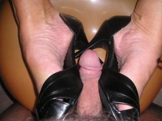 footjob and balloon rubbing, perfect!!
