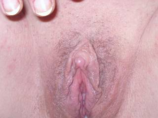 WOW    LOVE your clit. You are a very sexy and beautiful woman. XXXXXXXX