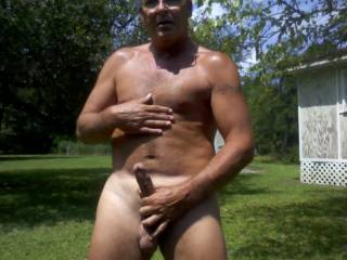 Nice body and cock.  Would love to rub cocks.