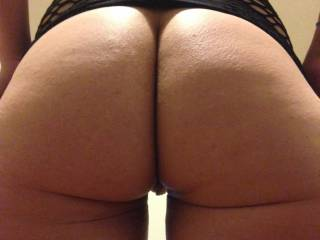 Sweet ass, love to spread those cheeks and slide my cock in....mmm