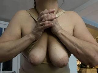 How sexy are her tits