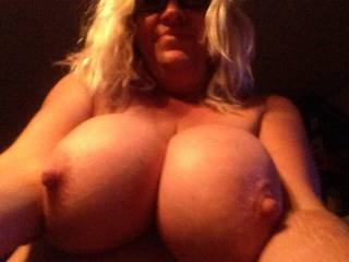 Just me all natural do you want to fuck bite slap suck and tie u these titties? Please
