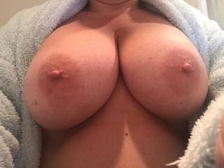 My girl sending me pics to make me horny. Who likes her tits?