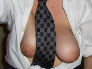 Girls in shirts and ties are so fucking hot.