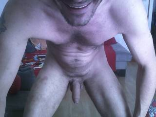 I want to kiss your lips and suck your cock!
