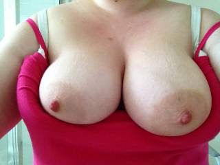 very nice large tits and nipples I'd love to suck