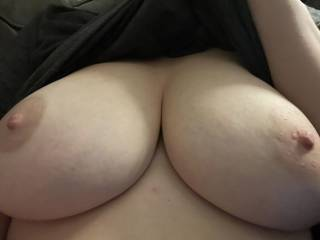 Send me a picture or video of you cumming on my tits. Hottest one I'll show my pussy
