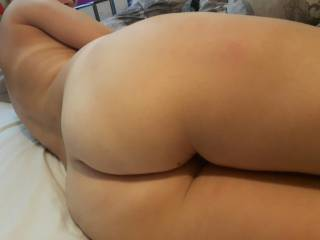 I love that beautiful ass so much. Looks absolutely scrumptious. I want to lick and stick it all day every day.