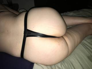 A closer look and my wife\'s ass. So smackable!