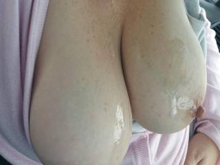 Nice cumshot for my tits in the car