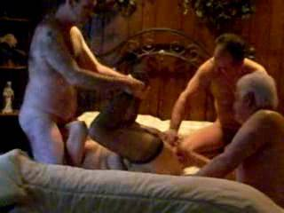 hotdenise from somerset county new jersey  like to fuck and suck guys at he home  does  a gang bang  party   every weekend     bigest party was 14 guys and her    she likes being filmed and photo taken while playing    .