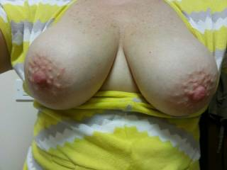 are her areola ALWAYS bumpily? That is so fucking hot!