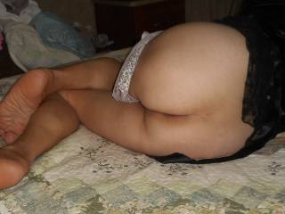 yes! yes! yes ! I would lick it to orgasm n if u like I could bite ur beautiful cheeks ;-)
