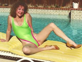 Draga at pool