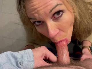 Facial seeking wifey working hard to get her prize.