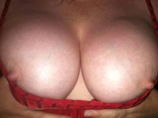 I am thinking i need to suck on those nice nipples.