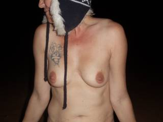love girls that like being all naked outside
