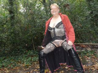 hi all just taking a well earned rest, all this flashing wears a girl out dirty comments welcome mature couple
