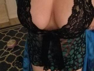 This is shortly after pregnancy so my tits were a little bigger than usual. Do you want any milk?
