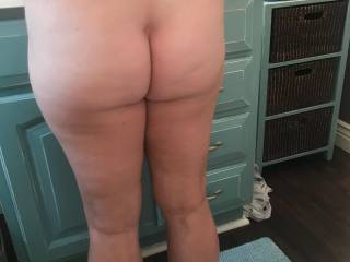 how\'d you rate her ass..and love to hear what you\'ll do with it
