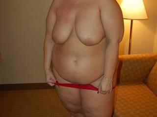 I want to see her hole bode as I think she so hot I so love bigger girls
