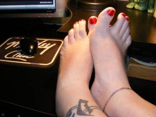 now that is some SEXY feet u have there