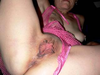 Hey babe is ur tongue busy can u lick this for me please.