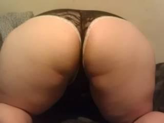 Damn that's a great ass , more plz