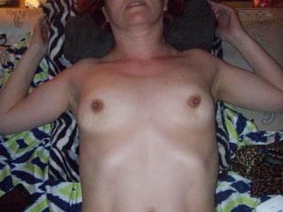 ooooooooooooooo those nipples need me to suck them