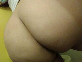 Her Ass is fat I\'m bout to fuck her hard