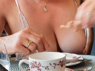 Coffee, cake and tits 😛