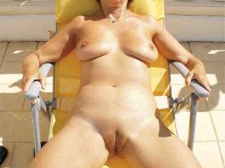Fantastic! Nude body and nude pussy  ..  love your mature cunt.