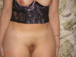 love those wide hips, thick thighs, and soft, swollen pussy lips. i got a nice cock that will get that pussy throbbing and soaked, and leave those legs quivering