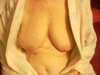 Very nice tits!! We would love to help you suck them!💏👅💦👅💦