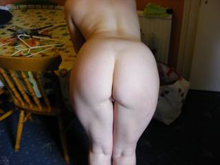 Sexy round white ass, i love it
