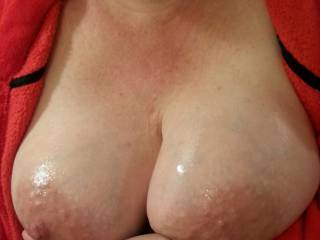 Just oiled up my big pregnant tits for you...
