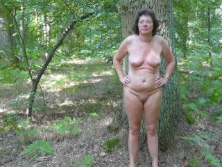 I'd love to join you for a nude walk and sexy fun in the woods.