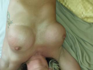 Damm hot pic, wish it was my fat cock in that pretty mouth!