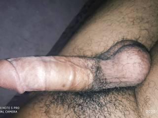 Hi any girls like to give handjob..