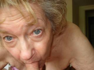 what a good mrs cock sucker oh just wish she could suck my spunk from my ball and swallow it