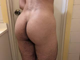 My bubble butt and thick legs~ what would you do with all this meat? ;)