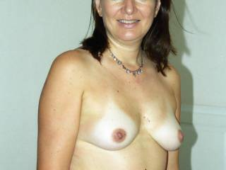 I love your photos, six wonderful one, a lot sexy, your sublime body thanks for the pleasure that mine you have given,  You have a lovely body, with yous breasts and pussy looking so touchable! I watching your photos.  I hope to see to you thanks thanks still luciano