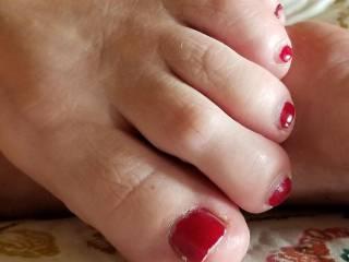 My wife\'s pretty feet
