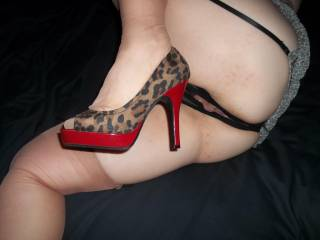 LOVE SHOWING OFF MY AWESOME NEW SHOES