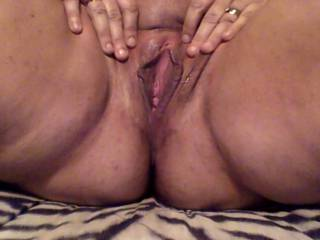 I'd love to suck your clit and tongue fuck your hot wet pussy and taste your juices as you flood my mouth with your cum.