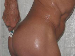 keeping up the body as a smooth nudist in life,,,