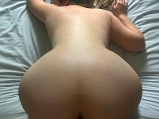 Bent over fucking that Pussy doggy style, who likes her big round ass?